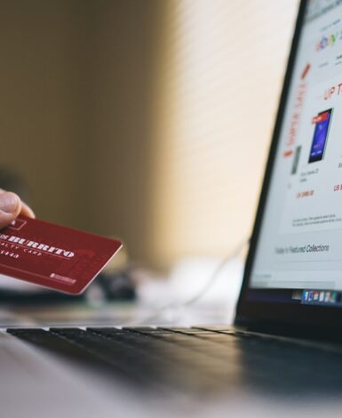 2020 cyber monday alternative to christmas shopping