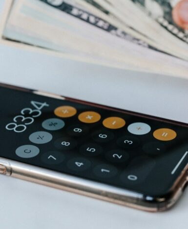 iPhone open to calculator with cash